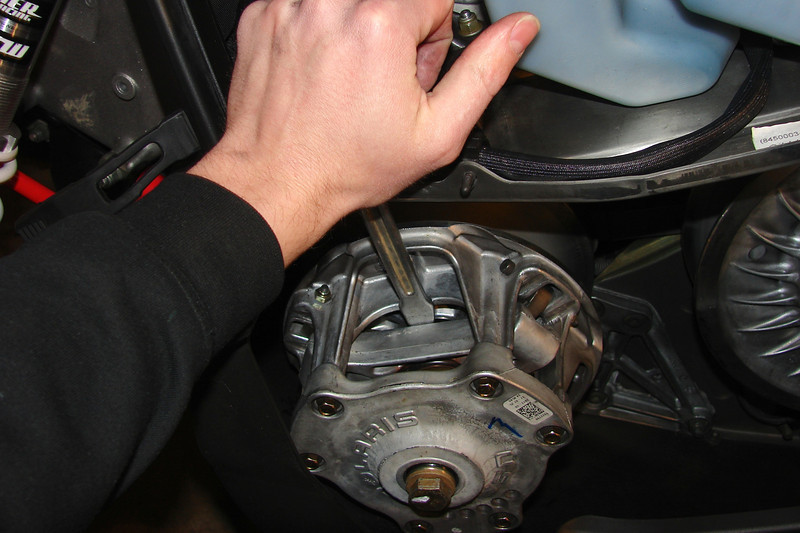 Primary Clutch: Changing weights, General maintenance - Back